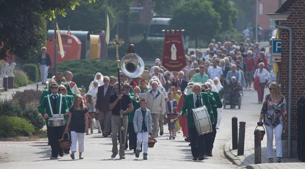 Knipsel processie